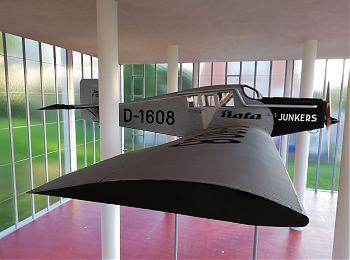 Pamatnik TB Junkers.jpg