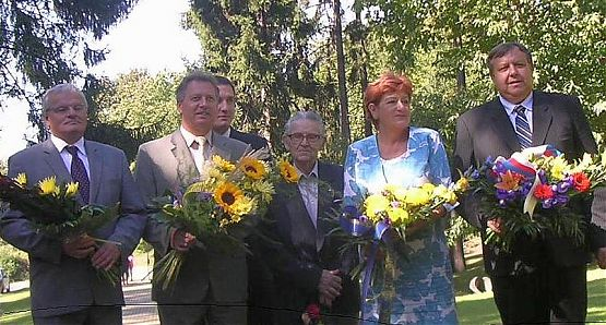 Prof. Sáha, Ing. Velev, Ing. Janský, Ing. Jabůrek, Irena Ondrová,MVDr. Mišák.jpg